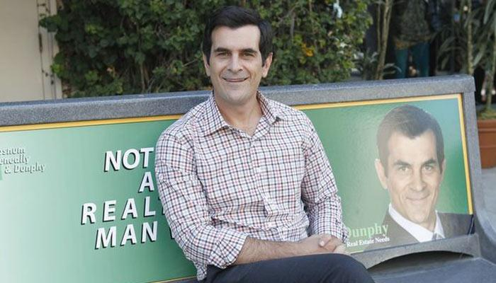 source: http://modernfamily.wikia.com/wiki/File:Phil_Not_a_real_man.jpg